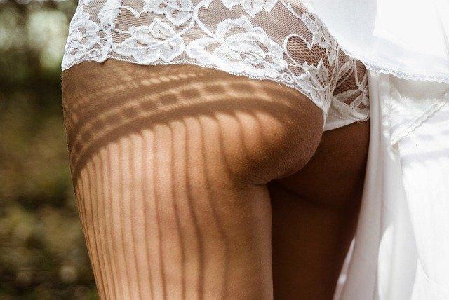 shorty string dentelle femme